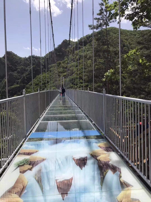 玻璃吊橋1