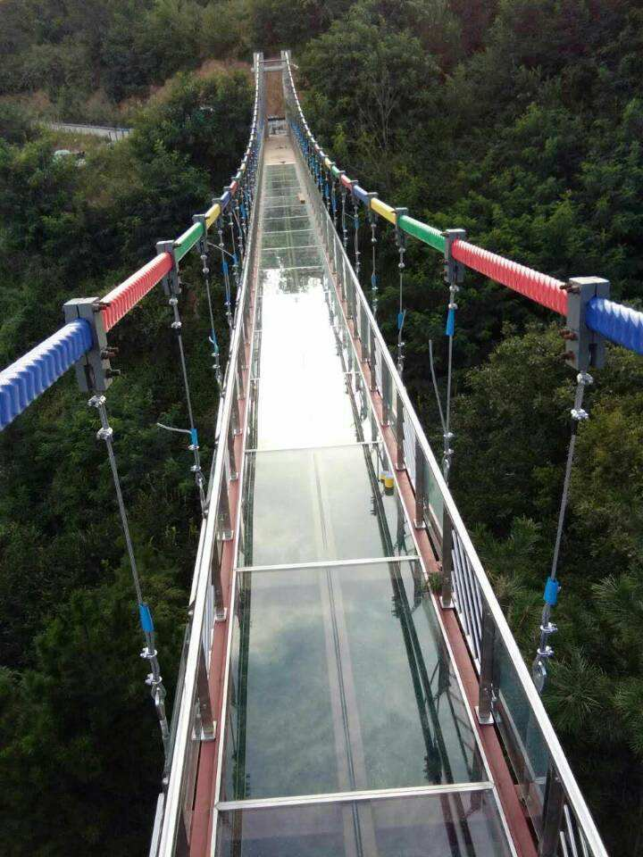 玻璃吊橋2